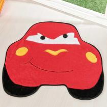 Tapete Infantil Formato Carro Furioso Vermelho 62x76cm - Guga Tapetes - Vermelho - Guga Tapetes