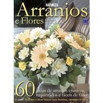 Arranjos e Flores (Capa Dura) - Toca do Verde