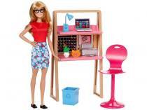 Barbie com Móveis e Acessórios - Mattel
