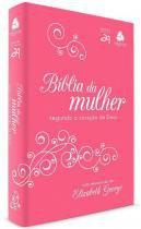 Biblia da mulher: segundo o coracao de deus - pink - Hagnos
