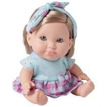 Boneca Besty Doll Um dia No Pediatra - com Acessórios Candide