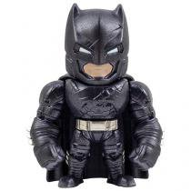 Boneco Armored Batman - DC Batman vs. Superman DTC