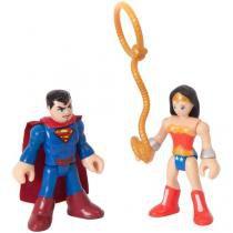 Boneco Imaginext - DC Super Friends Superman e - Mulher Maravilha com Acessórios 19cm Fisher-Price