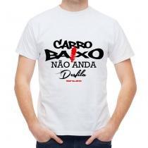 Camiseta Shutt Carro Baixo Não Anda Desfila Casual Branca Estampa Preta e Vermelha - Tamanho P - Shutt