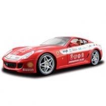 Carro Ferrari 599 GTB Fiorano Vermelha - Kit de Montagem - 1:24 - Maisto - New toys