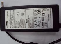 Fonte Samsung AP04214-UV (19V 3.16A Bivolt p/Notebook) -