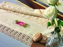 Jogo de toalha para bordar 2 peças Cecilia Karsten - Rosa bebê -