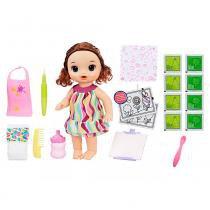 Kit Boneca Baby Alive e Acessórios - Pequena Artista e Refil de Comida - Morena - C0961 - Hasbro -