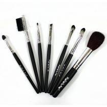 Kit com 7 Pinceis Pincel Maquiagem e Necessaire Macrilan -