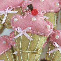 Lembrança Chaveiro Feltro Cupcake Rosa com Pérolas - Eva de abreu feltros