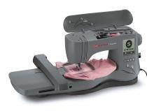Máquina para bordar singer superb - em 200 - área de bordado de 26x15 cm. -