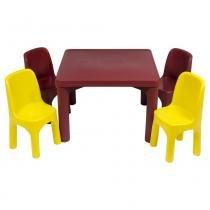 Mesa Infantil Resistente com 4 Cadeiras - Rotoplas