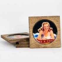 Porta Copos Garota Coca Cola com 4 Unidades - Colorido - Vintage Concept