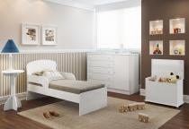 Quarto Infantil com Cômoda, Mesa de Apoio, Baú e Mini Camai Multimóveis - Multimóveis