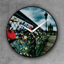 Relógio de parede decorativo, criativo e descolado   Cadeados na ponte do Rio Sena em Paris, França - Colours  creative photo decor