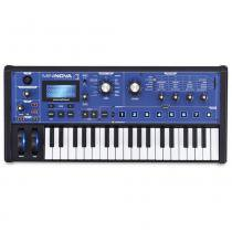 Sintetizador Novation MiniNova - NOVATION