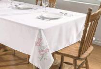 Toalha de Mesa Primavera 1,40m x 1,40m - Branco/Pink - Guga Tapetes