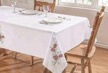 Toalha de Mesa Primavera 1,40m x 1,40m - Branco/Vermelho - Guga Tapetes