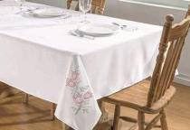 Toalha de Mesa Primavera 2,50m x 1,40m - Branco/Pink - Guga Tapetes