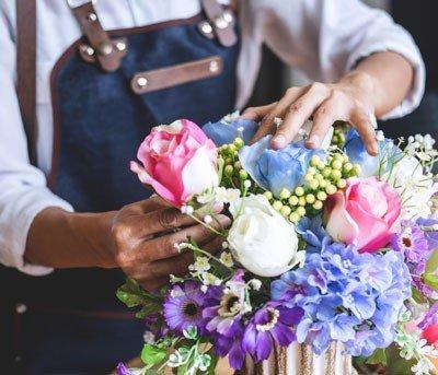 Planta e flor artificial: vale a pena?